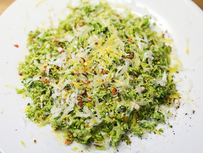 rariven broccoli med citron, chili, vitlok och pecorino superlivsmedel