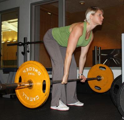 Här ska man orka vända och lyfta upp vikten. Inte släppa den med ett brak (då är det för tungt).