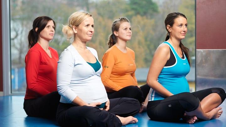 Yoga för gravida på SATS
