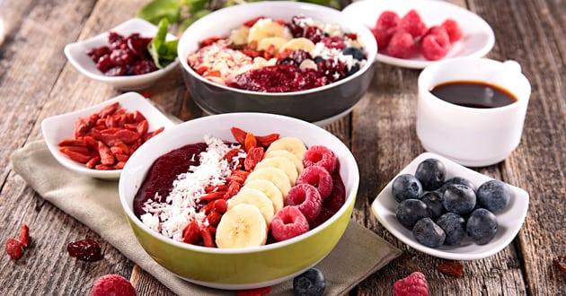 Recept: Nyttig frukost med acai bowl