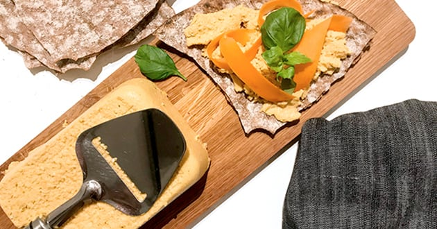 Vegansk ost med bjäst