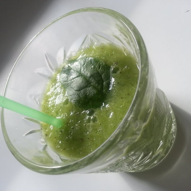 Recept: Grön vitamin drink med ingefära