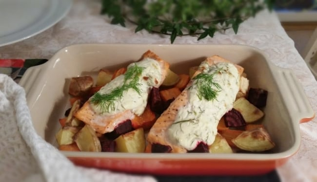 Recept under 500 kalorier – Ugnsrostad lax med rotsaker
