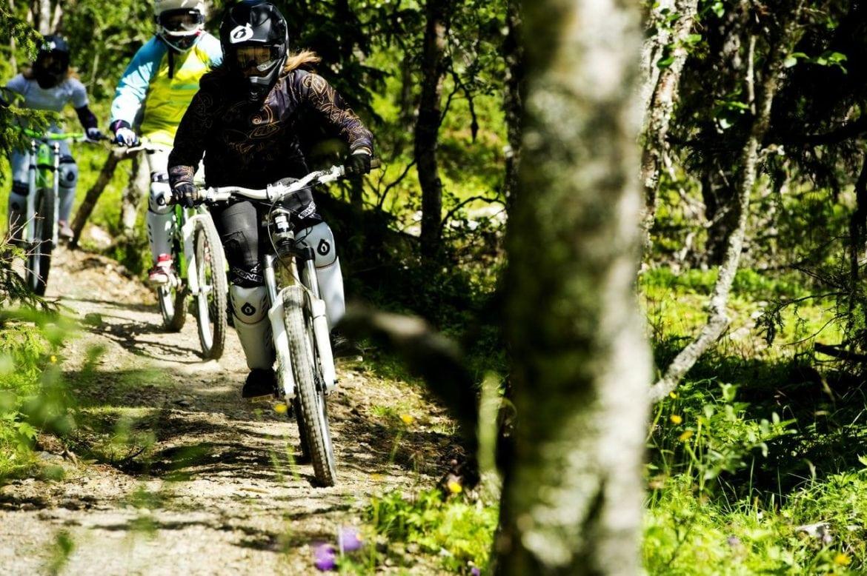 Lär dig cykla downhill i Lofsdalen i sommar