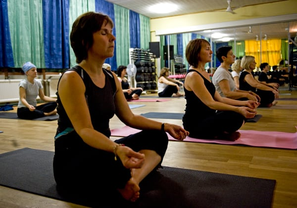 Yoga hjälper svullen mage
