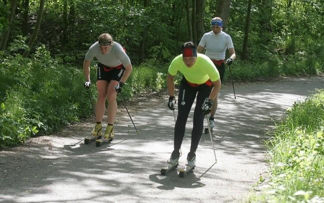 Träna med rullskidor inför Vasaloppet