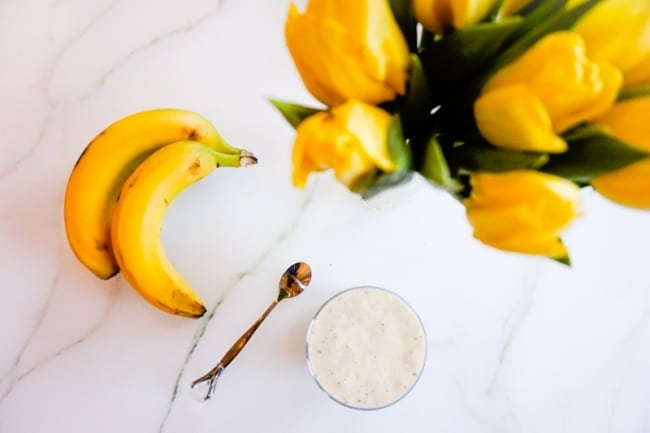 Proteinladdad banan- och mangosmoothie
