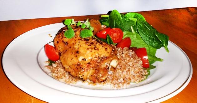 Recept: Örtkryddad kyckling med matvete