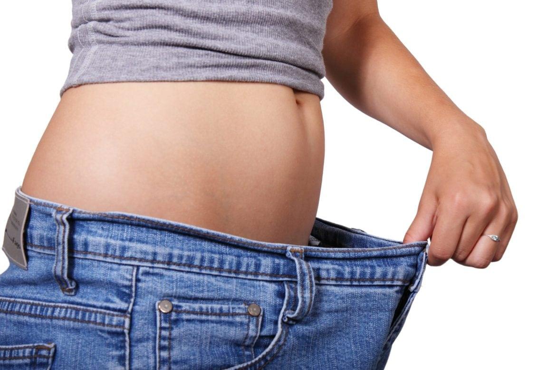 Varannan svensk uppfattar sig själv som överviktig