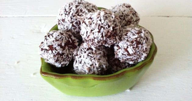 Recept: Nyttiga chokladbollar