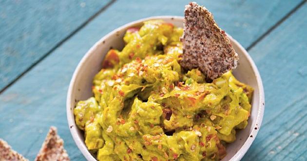 Chiakex med gurkmeja-gukkamole - rawfood recept