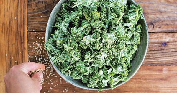 Grönkålssallad med krämig dressing - veckans Meat Free Monday-recept