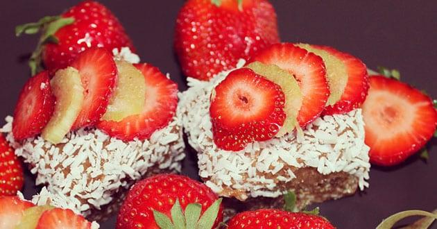 Midsommardessert med jordgubbar