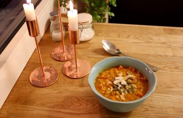 Recept: Linssoppa med kokos och curry