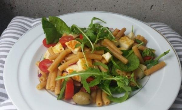 Nyttigt recept under 500 kalorier – Vegetarisk linspastasallad
