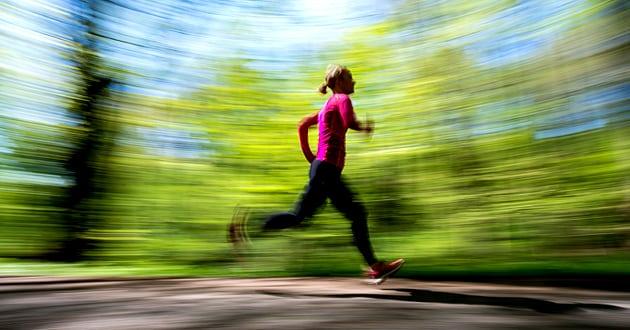 Låga kolhydratnivåer i muskulaturen förstärker träningseffekten