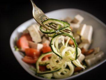 Bowl med zucchininudlar