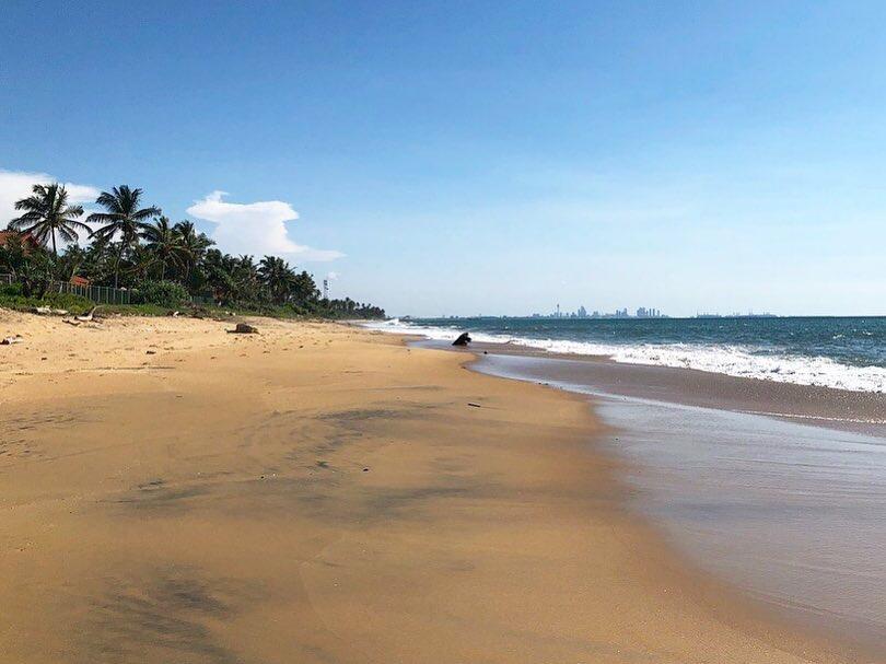 Strandlöpning på Pamunugama beach