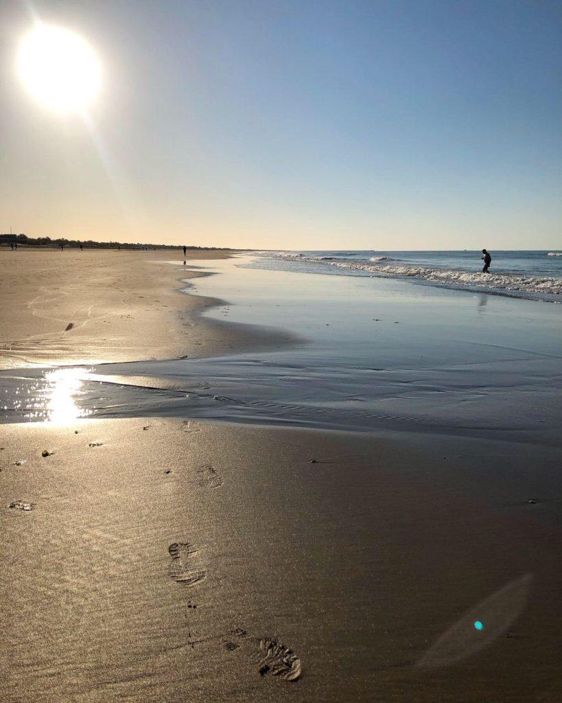 Fotsteg i sanden