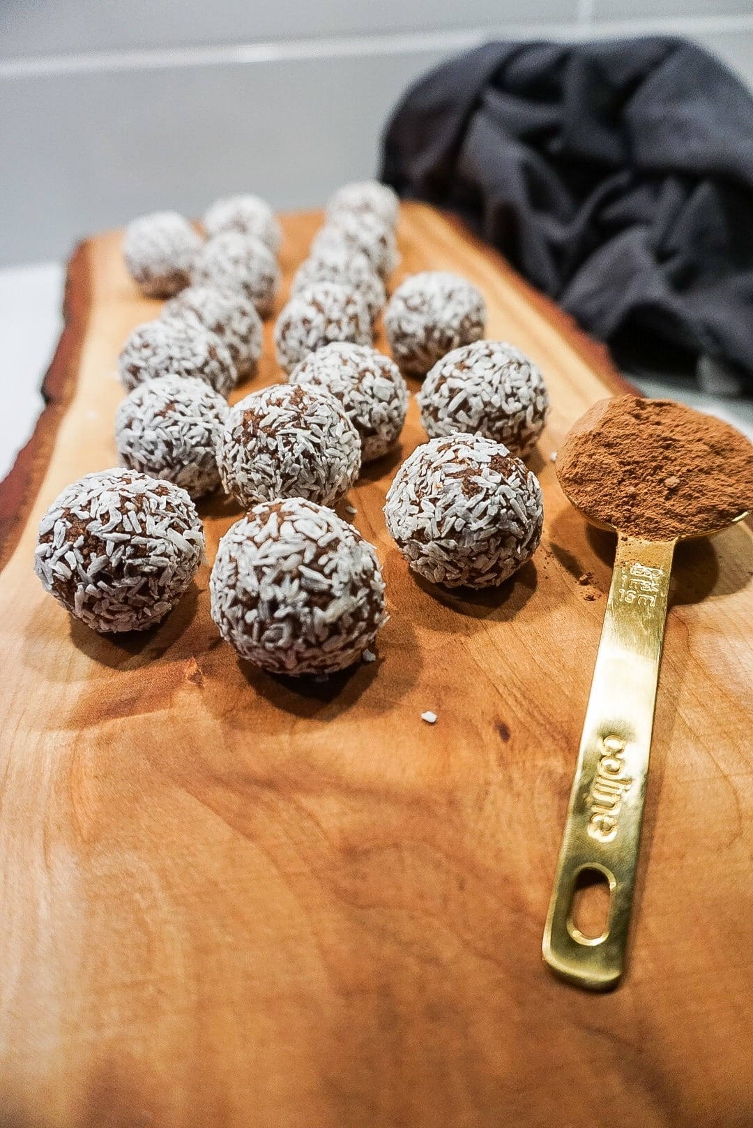 Raw chokladbollar med mint