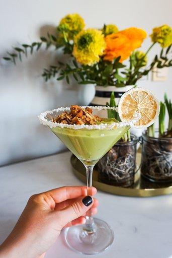 vegansk avokado- och limemousse
