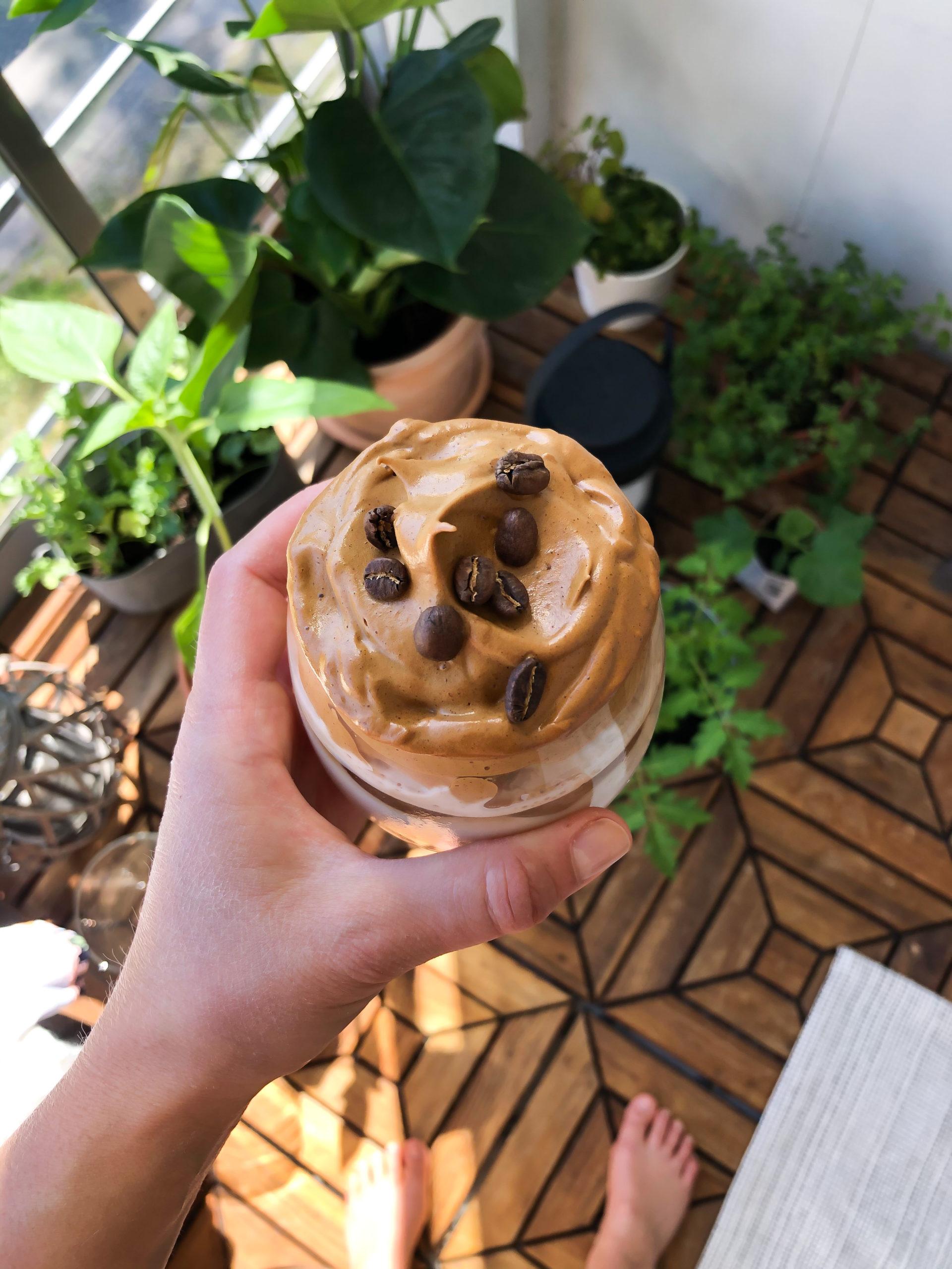 Sockerfri dalgona coffe
