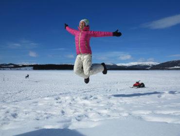 Anna hoppar, påsken 2015.