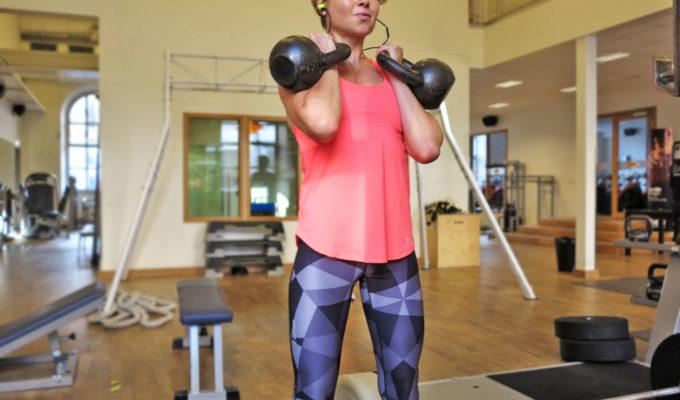 Anna Lissjanis - kettlebell front squat