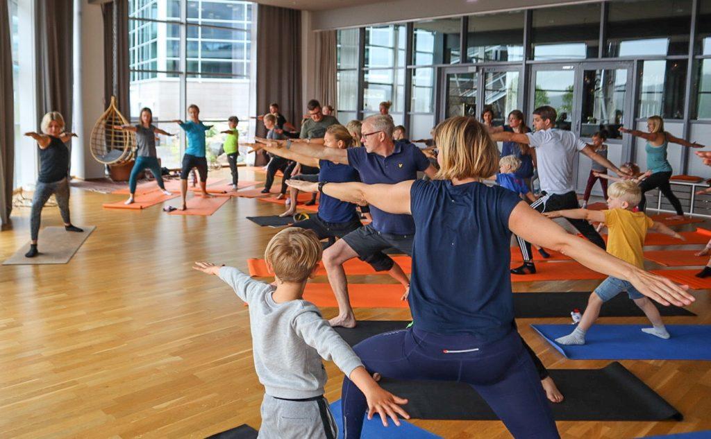 frisk och stark familj yoga Anna Lissjanis åre
