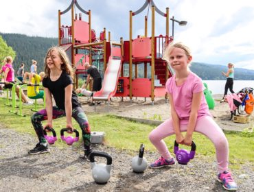 frisk och stark familj - get out to workout