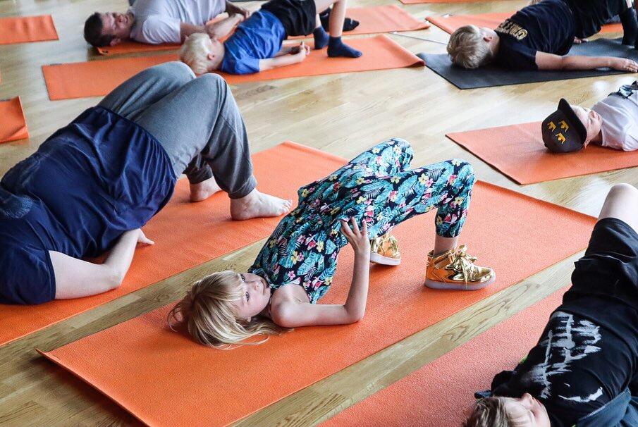 frisk och stark familj yoga Jonna Lissjanis åre