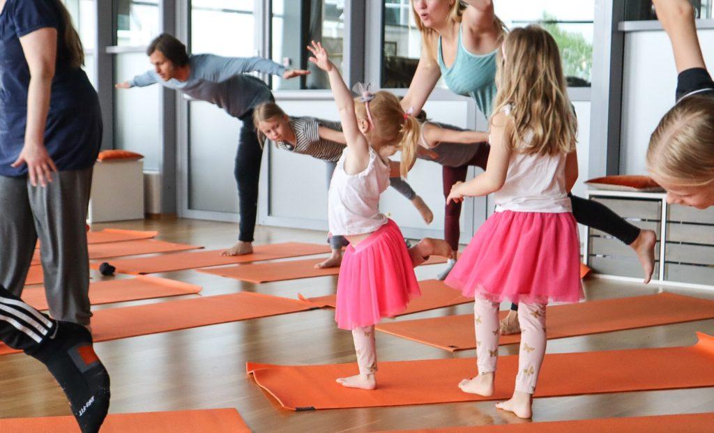 frisk och stark familj yoga åre