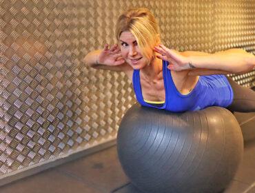 träningsprogram med pilatesboll